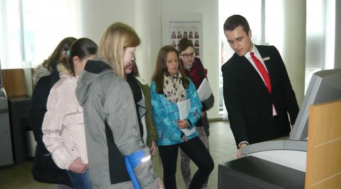 """Lernsituation """"Jugendgirokonto"""" in Zusammenarbeit mit der Sparkasse Oberpfalz Nord"""